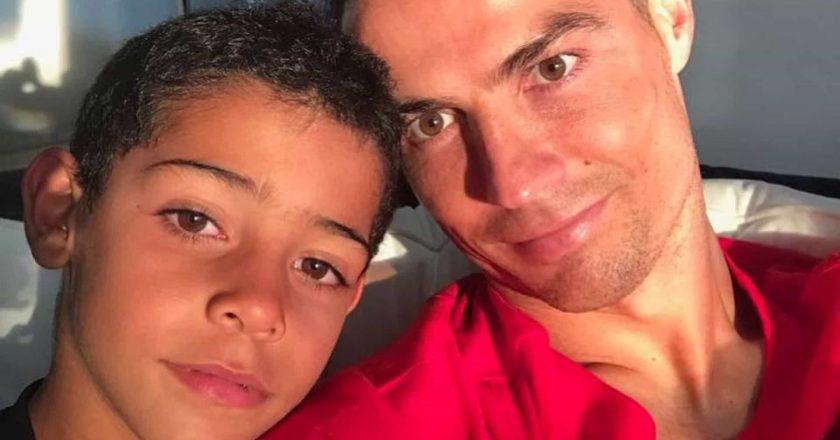 Em direto, Cristiano Ronaldo 'puxa as orelhas' a Cristianinho!