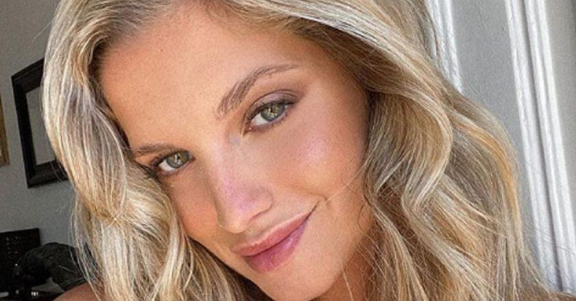 """Em lingerie, Júlia Palha arranca elogios dos seguidores: """"Que furacão!"""""""
