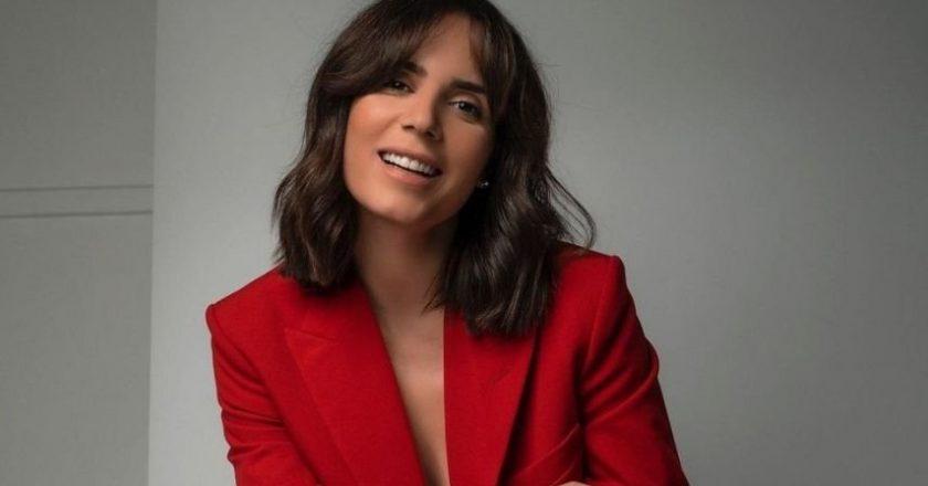 "Olívia Ortiz deslumbra em biquíni: ""Calma sereia 🔥❤️"""
