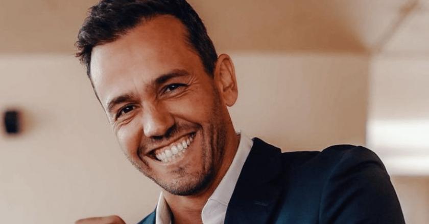"""Pedro Teixeira arrasa internauta: """"O prémio do comentário mais idiota é seu…"""""""